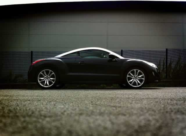 The lion wakes tonight: Peugeot RCZ GT THP 200