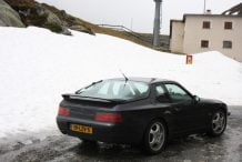 Porsche 968 and snow in the Alps!