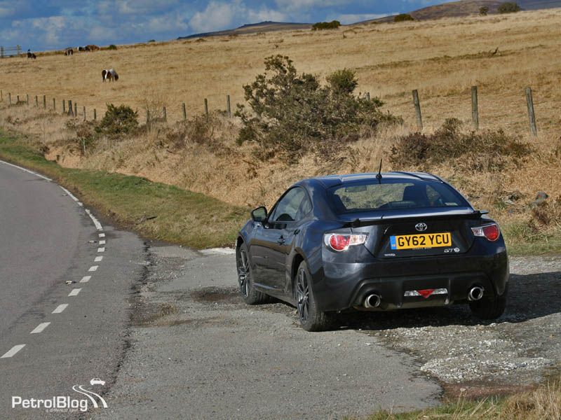 Toyota GT86 on A386