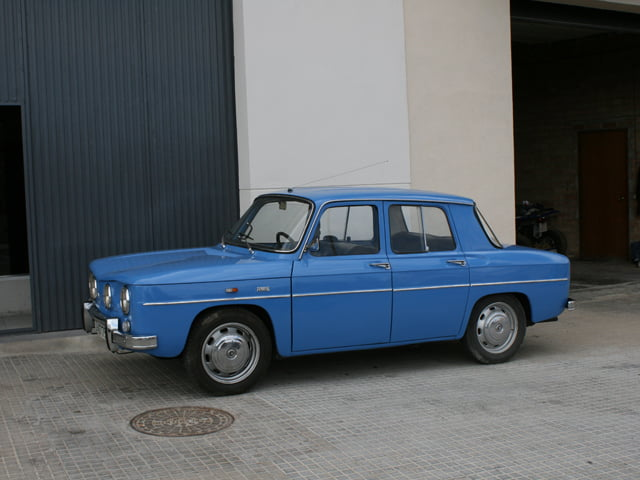 Lovely Renault 8 in Spain