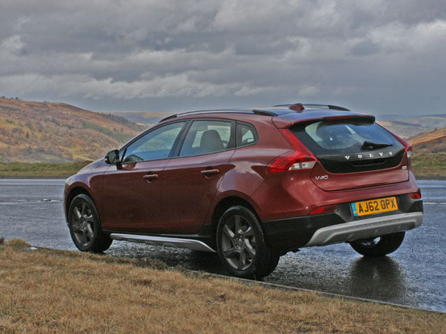 the a470 and the volvo v40 d2 cross country se petrolblog. Black Bedroom Furniture Sets. Home Design Ideas