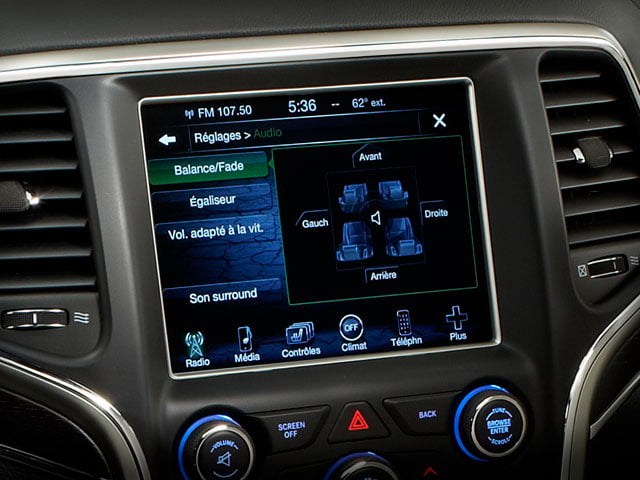 2013 Jeep Grand Cherokee touchscreen infotainment system
