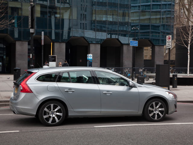 PetrolBlog's Volvo V60 Plug-in Hybrid review