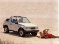Retrospective: Suzuki Vitara on the beach with models