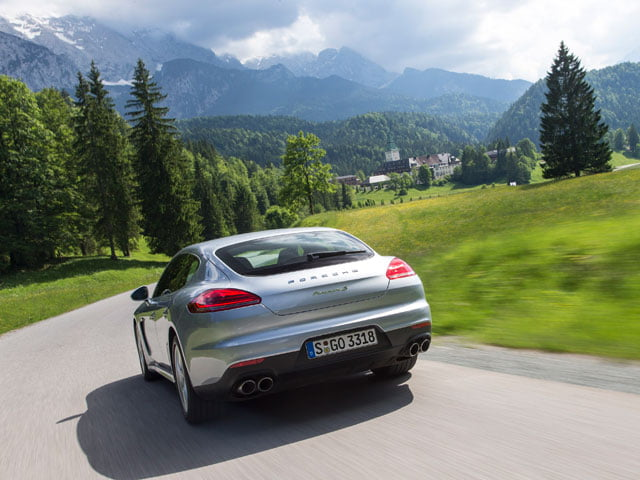 Cornering in the Porsche Panamera S E-Hybrid