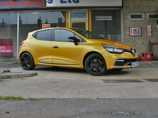 Renaultsport Clio 200 Turbo review on PetrolBlog