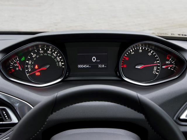 New Peugeot 308 head-up display