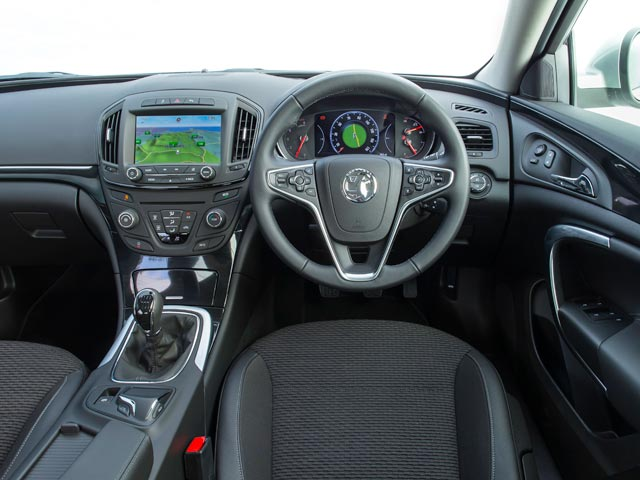 Vauxhall Insignia Country Tourer dashboard