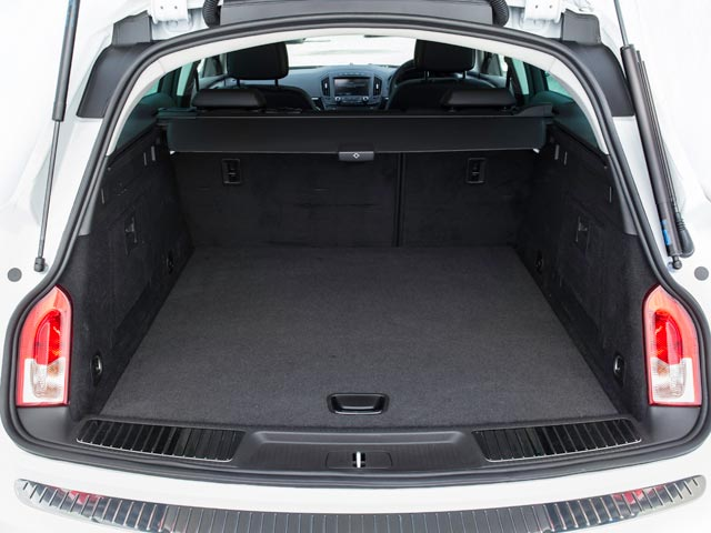 Vauxhall Insignia Country Tourer open tailgate