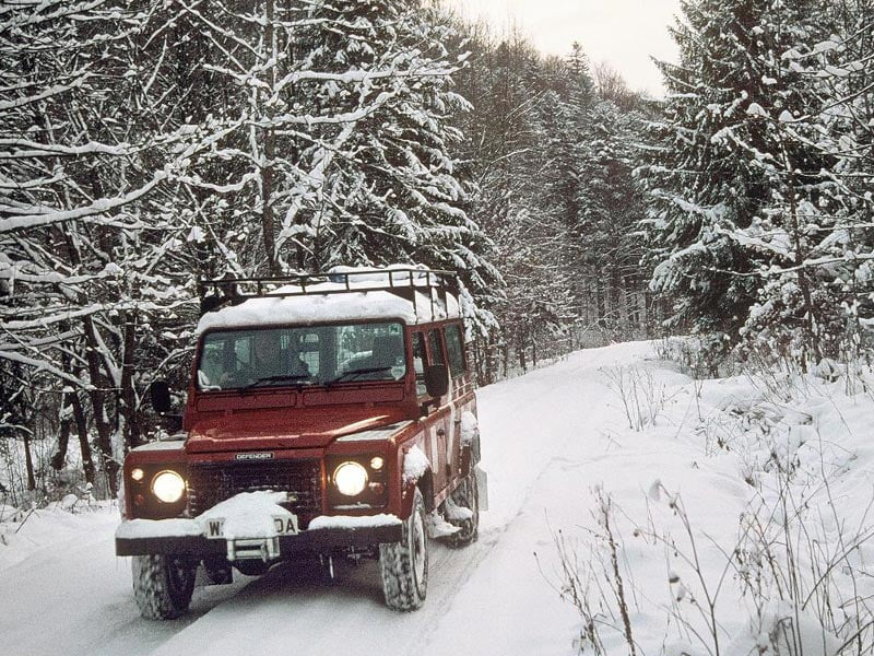 Land Rover Defender 110 in snow