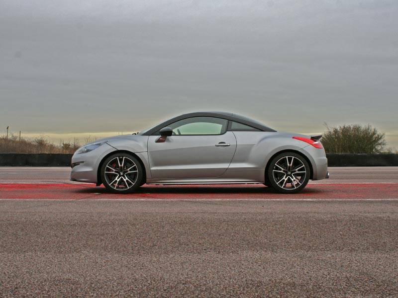 Side profile Peugeot RCZ R