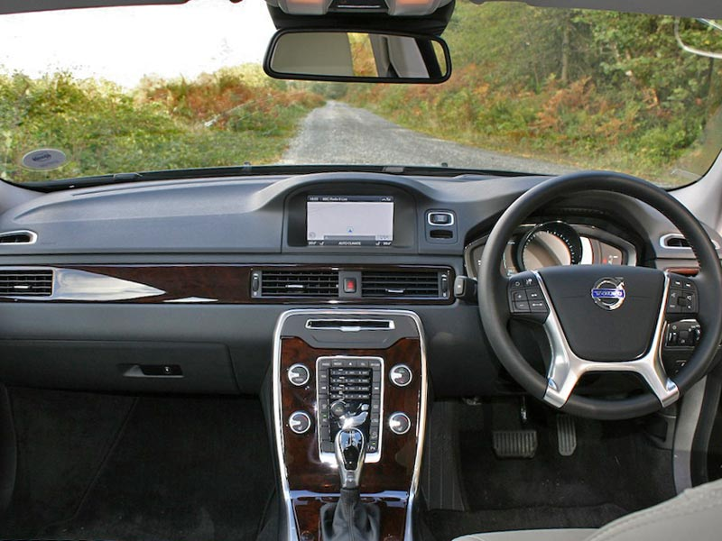 autotrader review volvo car new image featured reviews large