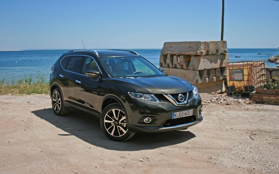 PetrolBlog review of 2014 Nissan X-Trail