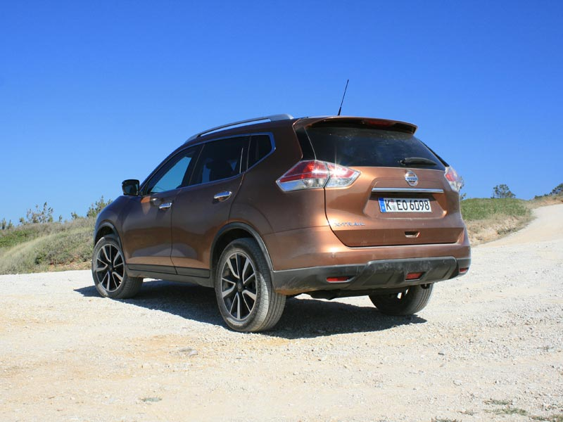 Rear of Nissan X-Trail in Portugal