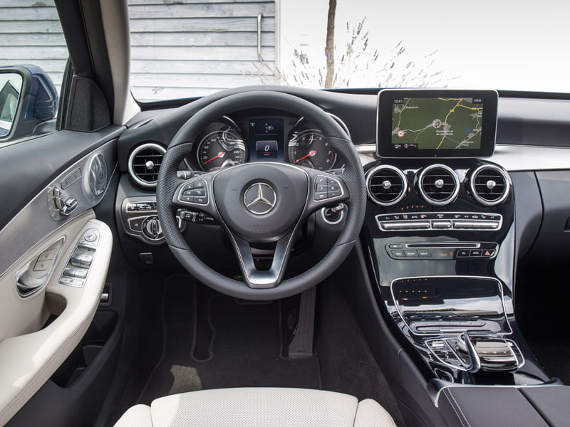 New mercedes benz c class interior petrolblog for Interieur mercedes c klasse