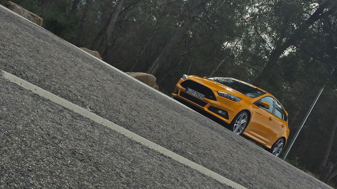 PetrolBlog review of Ford Focus ST 2014