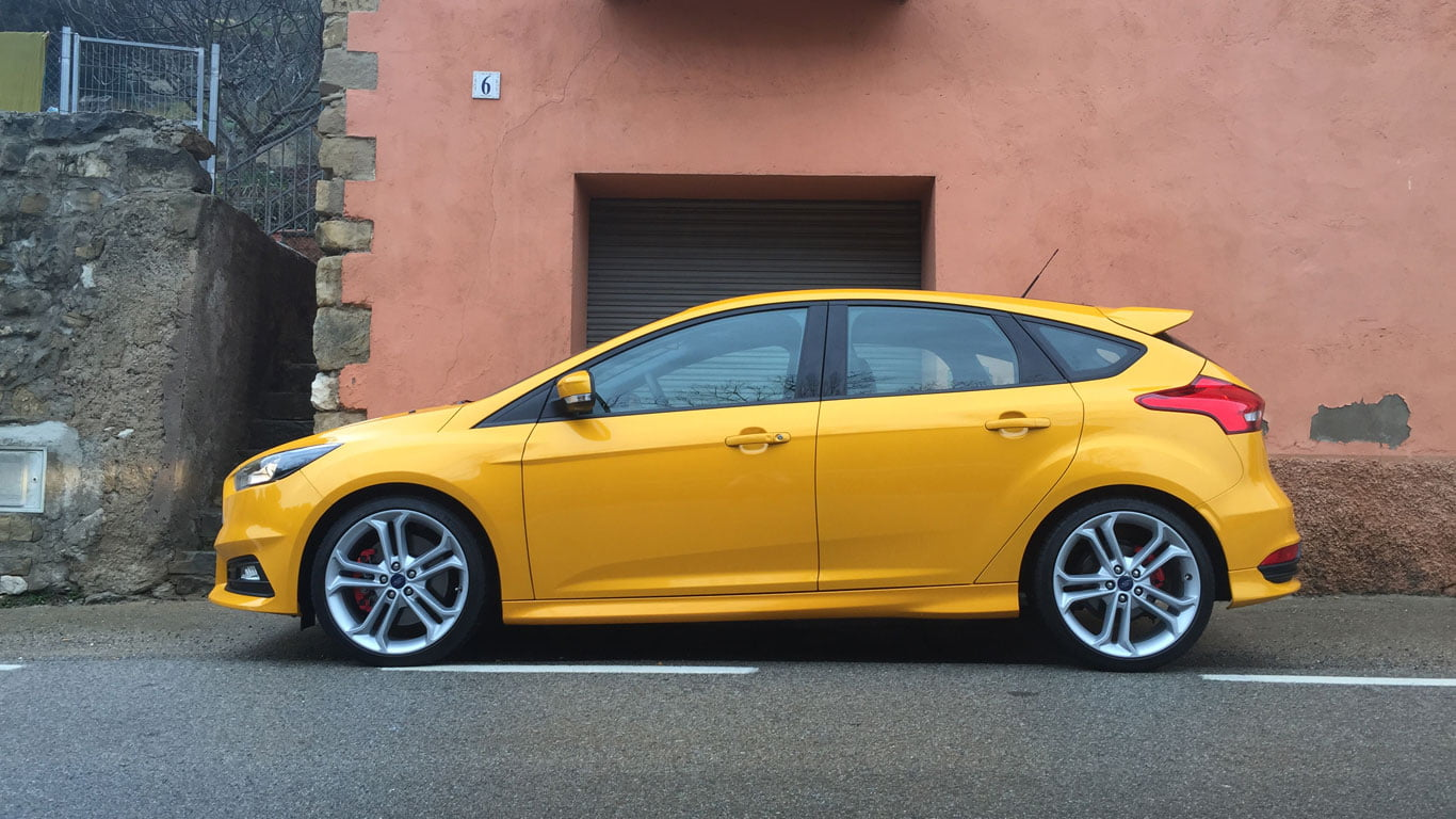 Side profile of Ford Focus ST petrol