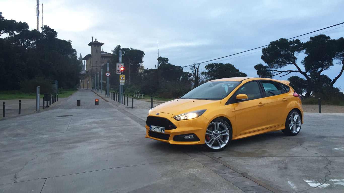 Tangerine Scream Ford Focus ST petrol