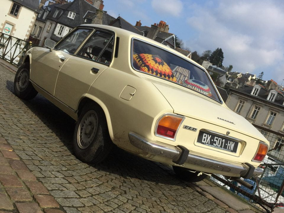 Rear of Peugeot 504 GLD in Morlaix