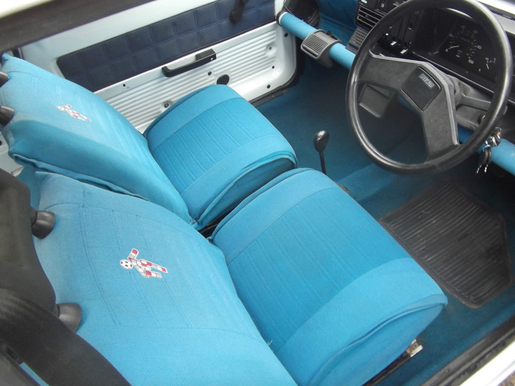 Fiat Panda Italia 90 blue seats and interior