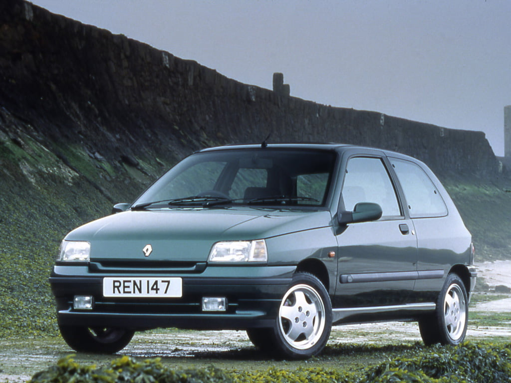 oh nicole the mk1 renault clio has aged so well petrolblog. Black Bedroom Furniture Sets. Home Design Ideas