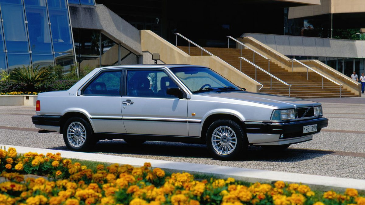 Sexy Volvo 780 Coupe