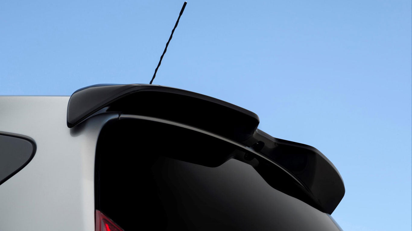 Nissan Note Black Edition spoiler