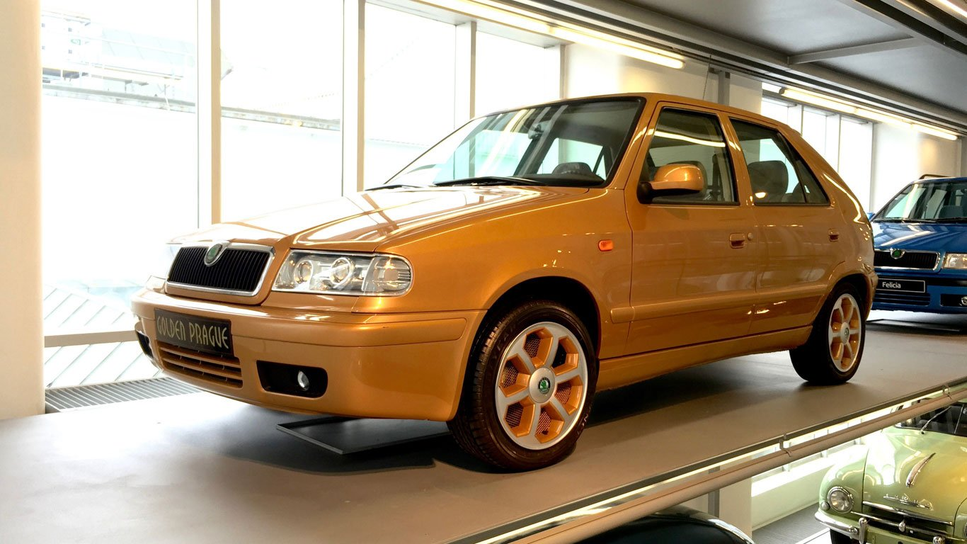 The Skoda Felicia Golden Prague is pure gold - PetrolBlog