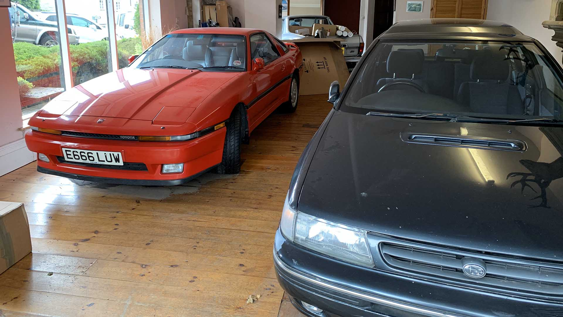 Dulverton apartment with Japanese cars
